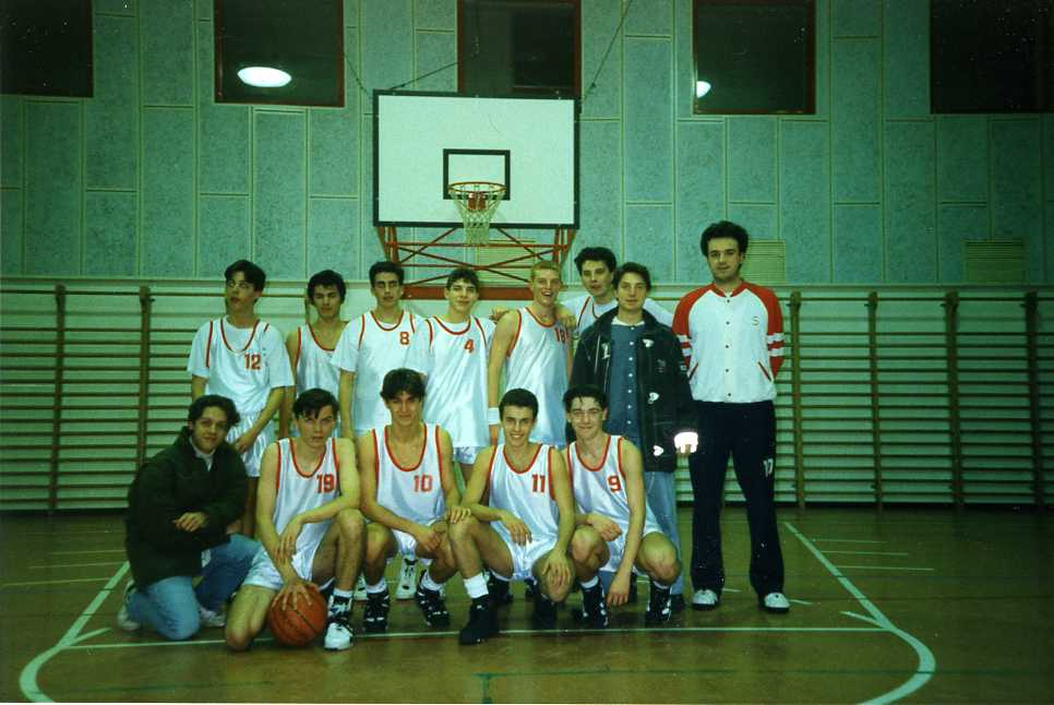 squadra_nel_95054